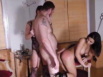 Hot domination mom