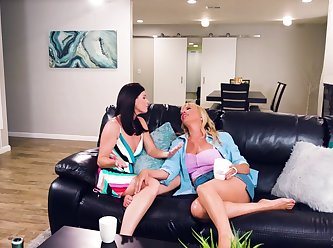Girls way india summer dana dearmond and eliza ibarra the edge of her seat XXX