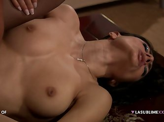 Two Busty Ladies Love Anal 480