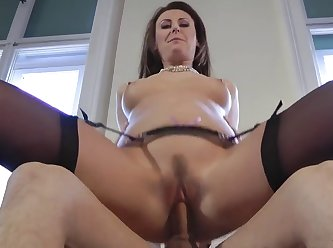 Trimmed Euro Cougar Riding Cock In Closeup 480